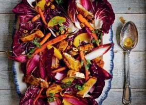 Салат с медовой морковью и курицей