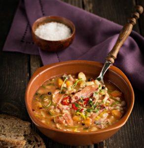 Густой суп с говядиной и перловкой
