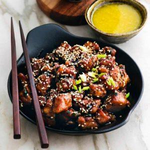 Свинина в медовом соусе с кунжутом