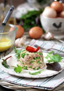 Мясной салат с ореховым соусом