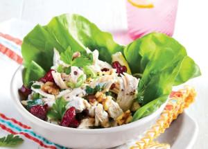 Куриный салат с орехами и сушеной вишней