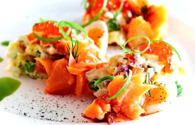 Русский салат с копченым лососем