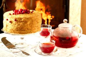 торт медовик с мороженым