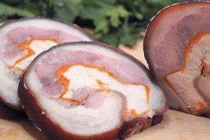 Рулет из свиной рульки с куриной грудкой
