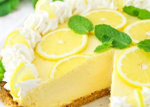 Лимонный пирог со сливочным кремом на маскарпоне