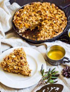 Крамбловый пирог с яблоками и тыквой