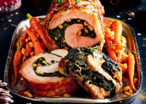 Рецепты со свининой: рулет из свинины со шпинатом и орехами