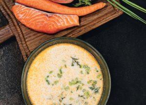 Рецепты с красной рыбой: сливочный суп с лососем