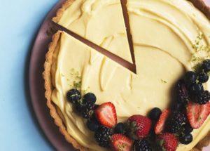 Лимонные десерты: лимонный тарт с заварным кремом