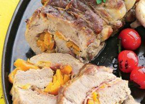 Рецепты со свининой: рулет из свиного карбонада