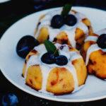 лимонные кексы со сливами