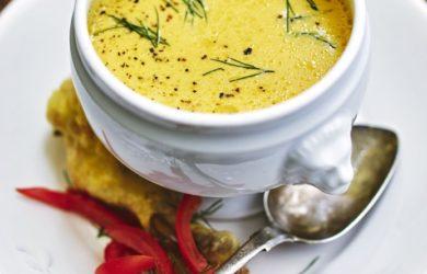 Сырный суп из желтого перца с курицей