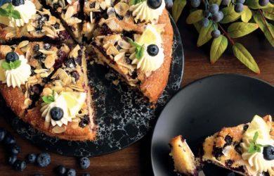 Черничный пирог со сливочным кремом