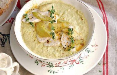 Куриный крем-суп с сельдереем, яблоками и карри