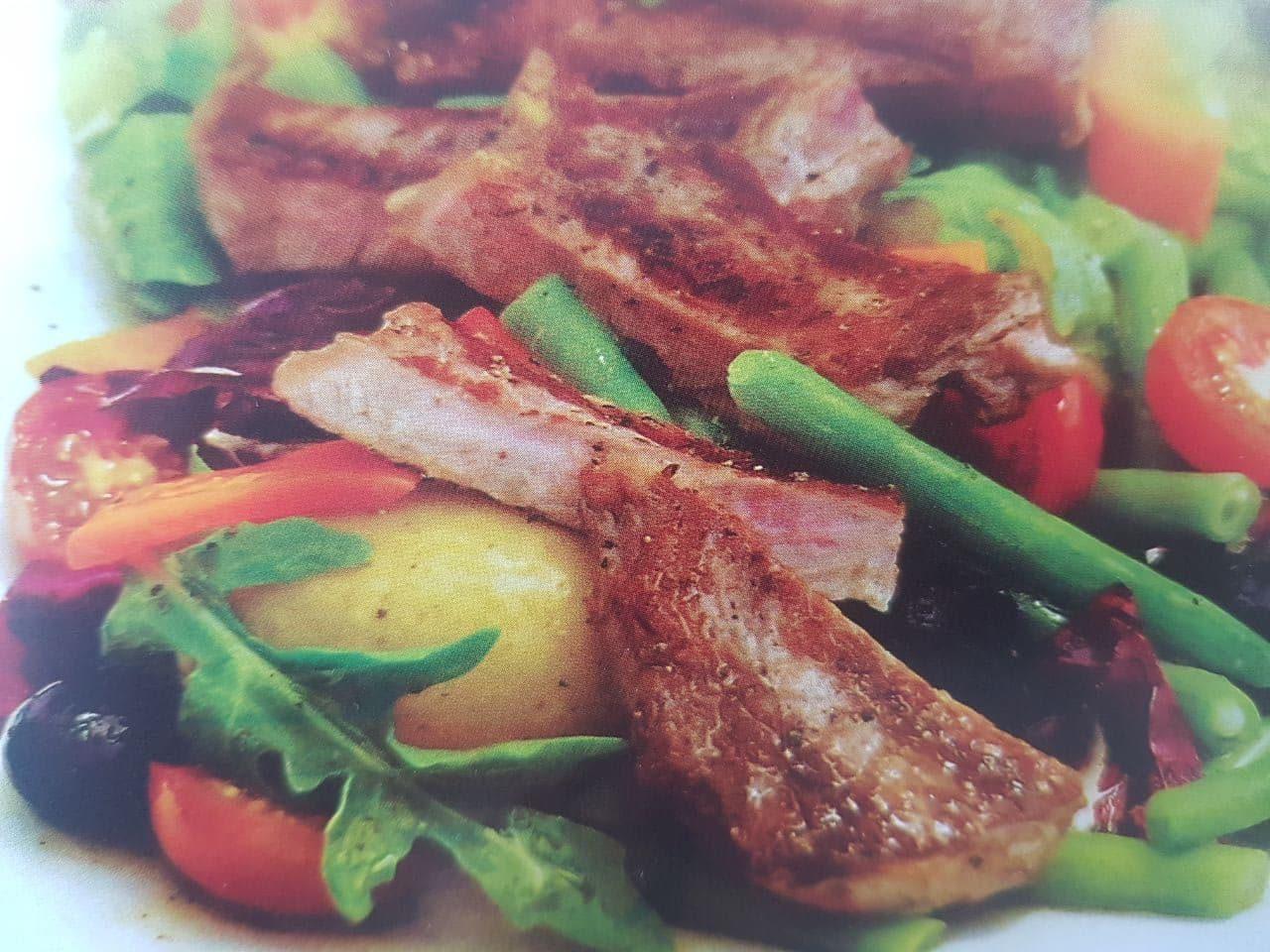 Салат с говяжьим филе