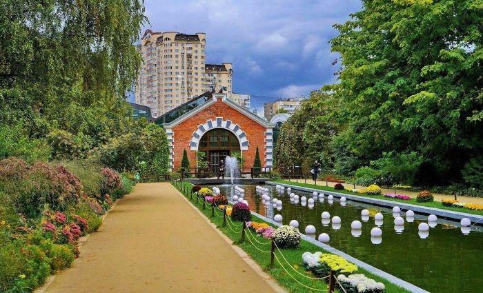 куда пойти гулять в москве